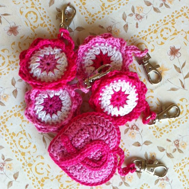 Pink coin holders and Pink Ribbon hart