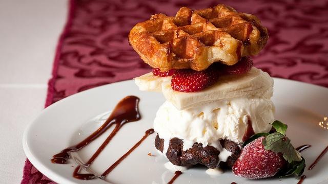 Ultimate waffle sandwich by Rhys' Restaurant, via Flickr