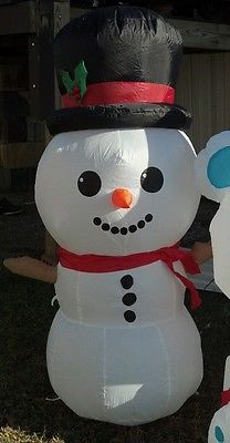 17 best images about frosty the snowman inflatable on for Animated polar bear christmas decoration