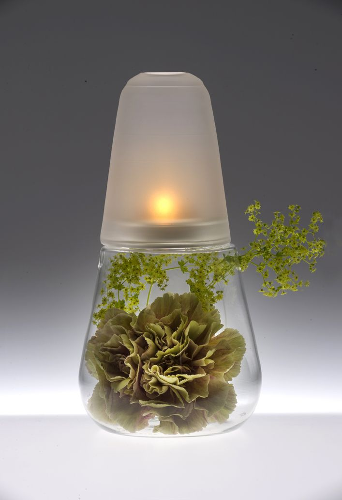 2 in 1 decorate and light up dinner tables, consoles or coffee tables with vegetal or still life compositions.