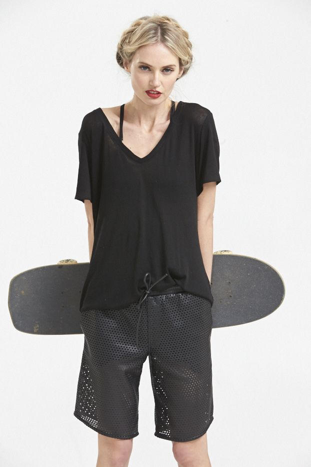 Superluxe Cashmere V-neck T-shirt and Bowlskate Leather Boardies. www.hideseekers.com