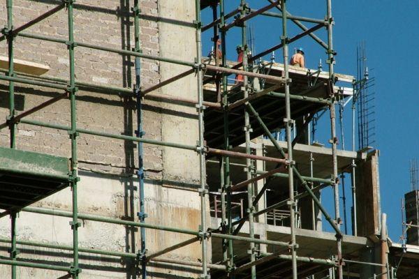 Spagna: demolire il costruito per salvare il mercato
