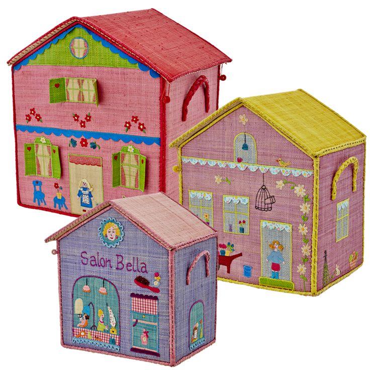 Caja de rafia para guardar juguetes. Muy decorativa y a la vez práctica para tener los juguetes siempre ordenados.