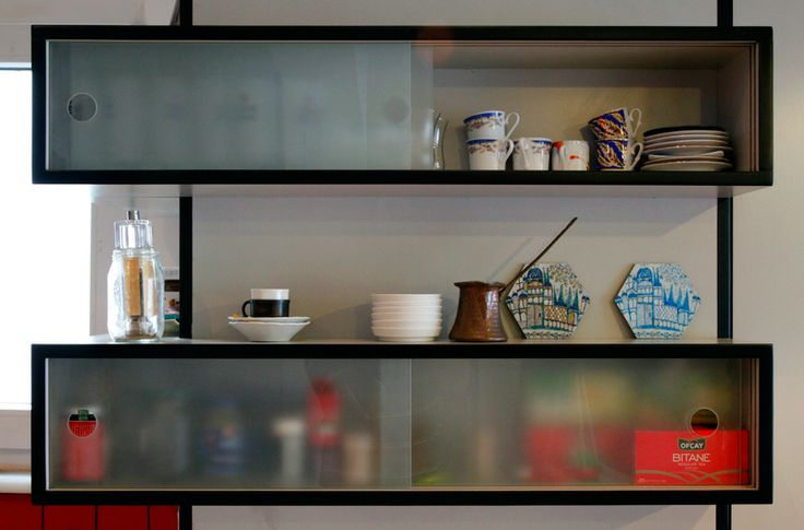 Meydan Architecture Design | Kasımpaşa Studio, Simple Shelves