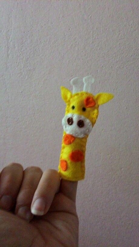 První mini maňásek žirafa