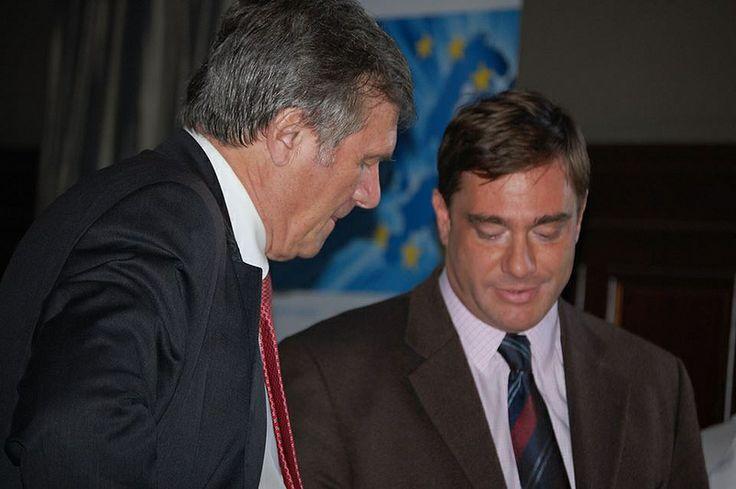 Με τον Wolfgang Gerhardt. Ο Wolfgang Gerhardt είναι Πρόεδρος του Ιδρύματος Naumann και πρώην Πρόεδρος του Κόμματος των Φιλελευθέρων Δημοκρατών της Γερμανίας