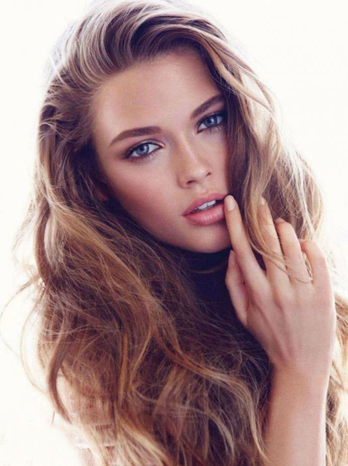 Hair, makeup and nails! Definitely copying this look.