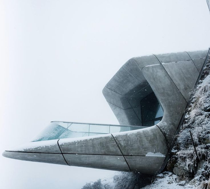 "11.9 mil Me gusta, 36 comentarios - Arc.Only (@arc.only) en Instagram: ""Messner Mountain Museum Corones by Zaha Hadid Architects in South Tyrol,Italy.(2015) Image:Tom…"""