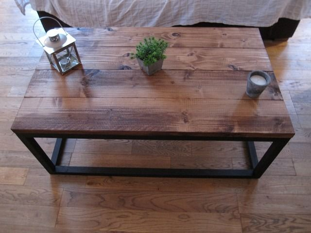 top 25 ideas about table basse industrielle on pinterest tables basses table basse and tables. Black Bedroom Furniture Sets. Home Design Ideas