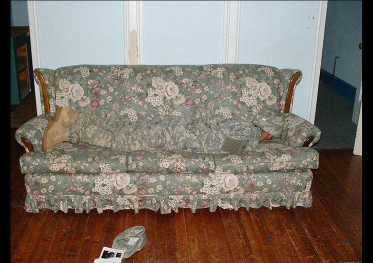 Prácticas de camuflaje en el salón de casa