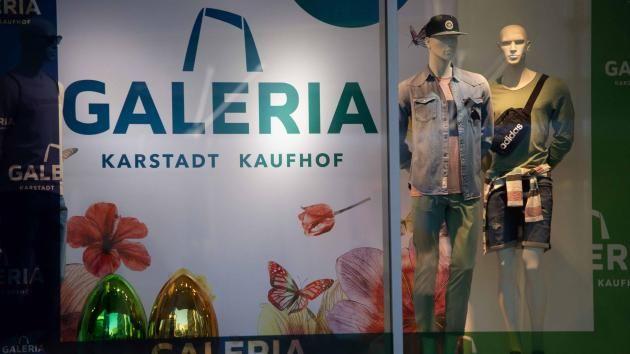 Corona Krise Karstadt Kaufhof Sucht Schutz Unter Rettungsschirm