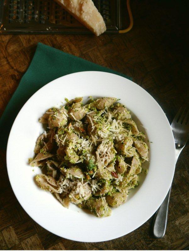 Roasted Broccoli Pesto Pasta – Pâtes au Pesto de Brocolis Rôtis
