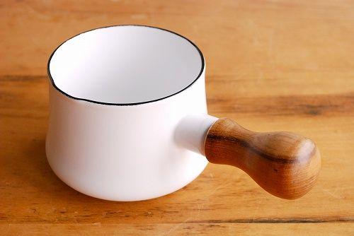 北欧暮らしの道具店のコラムにやられて注文した。夜のお茶タイムに使うんだ。