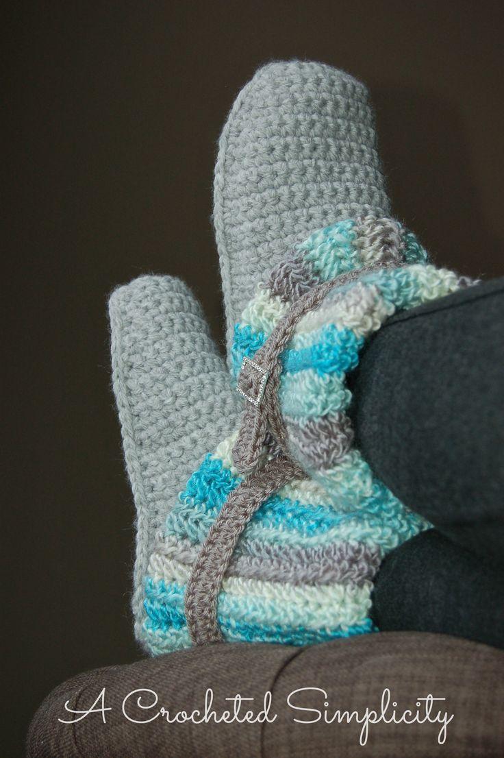 Crochet Pattern: Women's Slouchy Slipper Boots by A Crocheted Simplicity #acrochetedsimplicity #crochetslippers #crochetboots