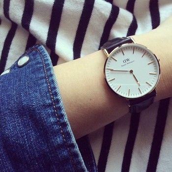 こちらは「Classic(クラシック)」シリーズのローズゴールド。 文字盤やベルト、ケースの大きさや色によって雰囲気もだいぶ違います。あなたにピッタリなDWの時計をお探し下さいね♪