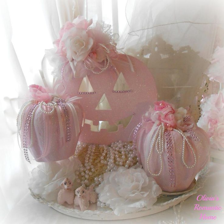 ✿ڿڰۣ Pink Pumpkins  for Shabby Chic / Cottage Decor www.infanteeniebeenie.com