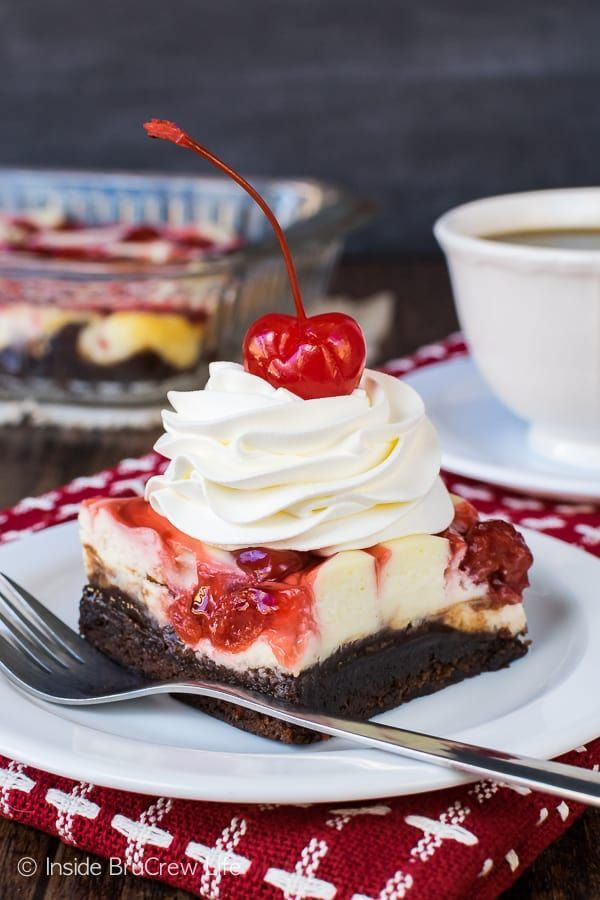 Cherry Cheesecake Brownies - swirls of pie filling and cheesecake on top of gooey brownies is a great dessert to serve after dinner. Great recipe for parties! #cheesecake #brownies #cherrypiefilling #cherry #dessert