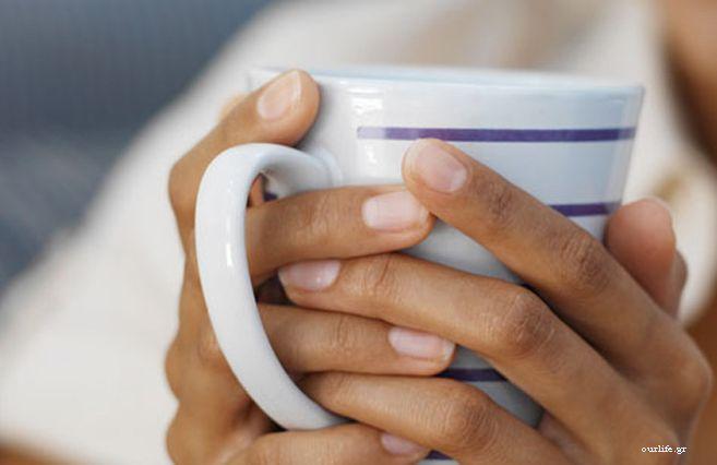 Κρύος ή ζεστός, ο καφές είναι η καθημερινή συντροφιά πολλών ανθρώπων στη δουλειά, στο σπίτι αλλά και στις κοινωνικές συναναστροφές. Τα είδη του καφέ είναι πολλά (στιγμιαίος, ελληνικός κ.α.) και αρκούν για να καλύψουν όλα τα γούστα.