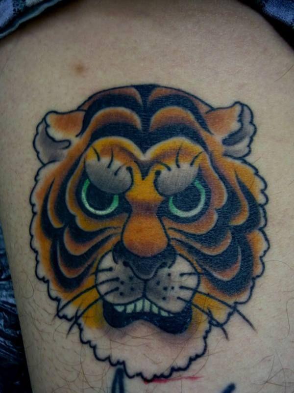 足,虎,カラーのタトゥーデザイン|タトゥーナビ