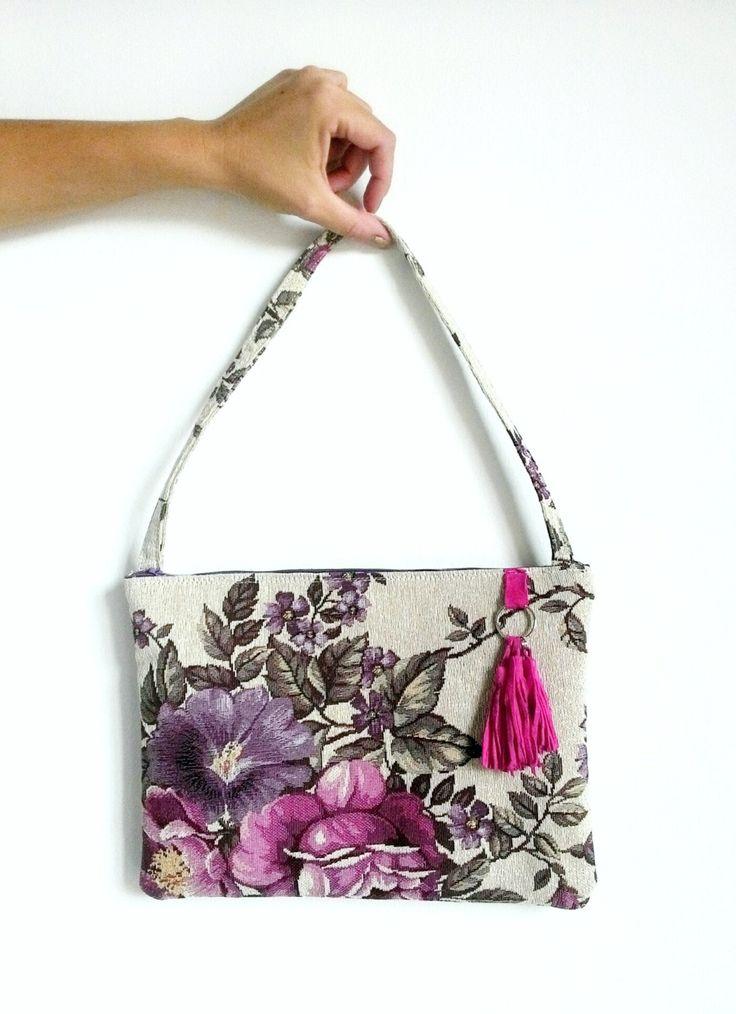Borsa a spalla tessuto tappezzeria floreale regalo compleanno nappa fatta a mano regalo damigella di Narcysa su Etsy