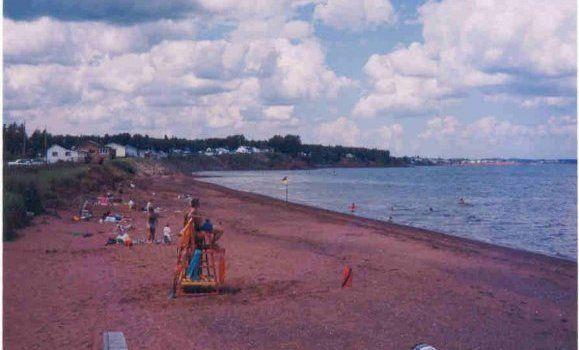 Heather4.beach.jpg 579×350 pixels