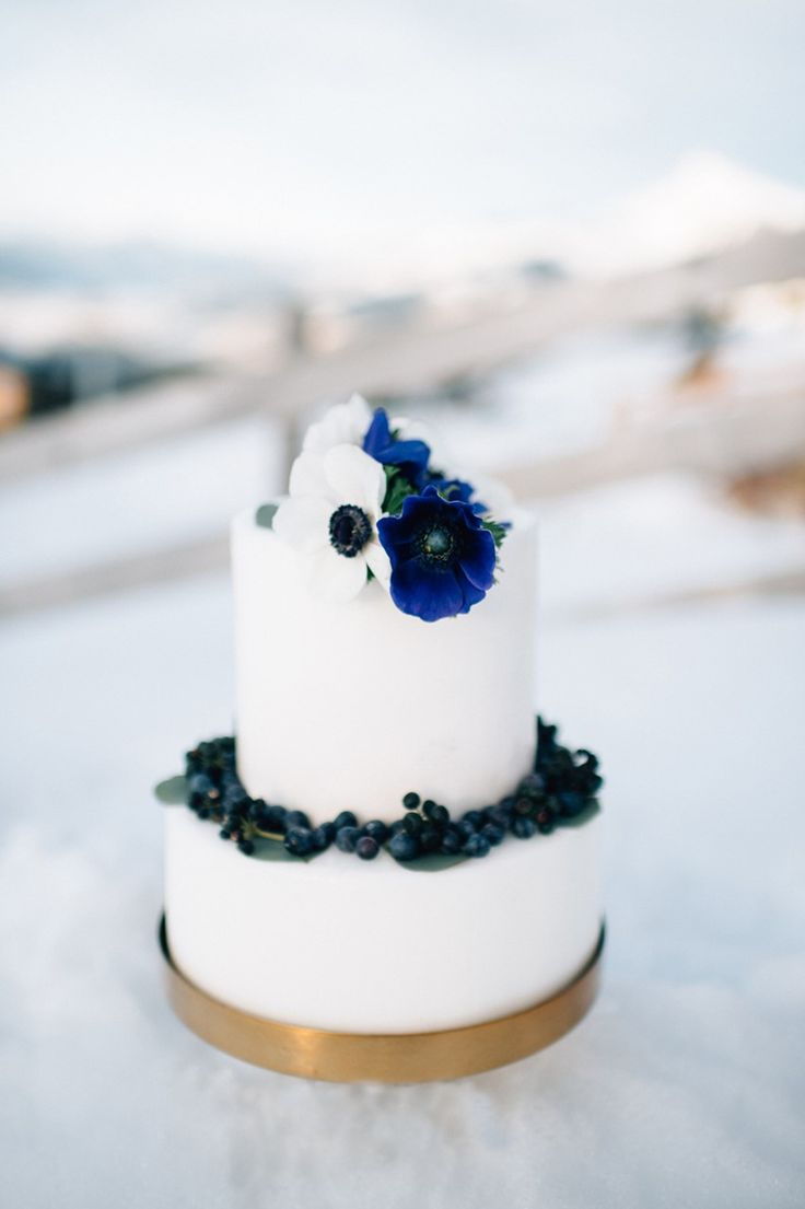 Gold & Blue Winter Wedding Cake