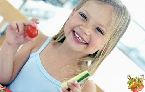 """#Веганство #Вегетарианство #goVegan #greenelk #Vegan #greenelkshop #этоинтересно  """"Маленький человек и большая осознанность""""  Если ребенок вегетарианец: памятка для родителей  Для родителей, чей ребенок решился стать вегетарианцем или даже веганом, это нелегкие перемены. Первая мысль – а не повредит ли такой образ питания здоровью малыша? Страхи обычно возникают на почве незнания, что представляет собой вегетарианская система питания. Чтобы ситуация развивалась гладко, между родителями и…"""