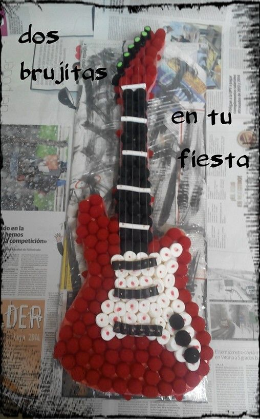 Guitarra electrica roja. Moras dulces.Fiesta temática. Regalo cumpleaños. Dia del padre. Candy bar. Tarta gominolas.