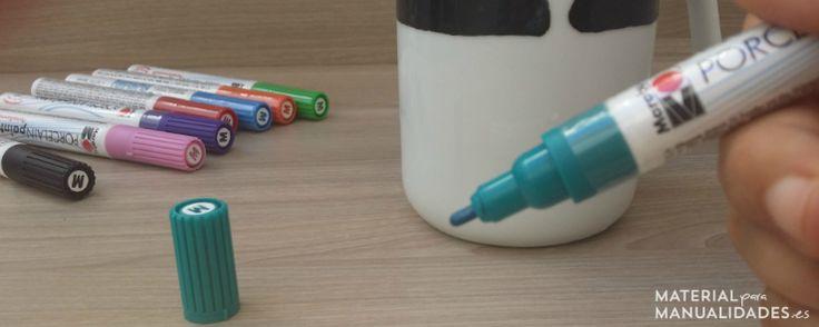 ¿Quieres aprender cómo pintar cerámica? En este tutorial te explicamos paso a paso como hemos pintado una taza con rotuladores cerámicos. ¿Te apuntas? #DIY #Manualidades #Materialparamanualidades