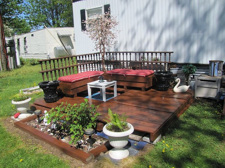 Really pretty...I was looking to re use our front deck when we put in the patio this next year. Great idea!