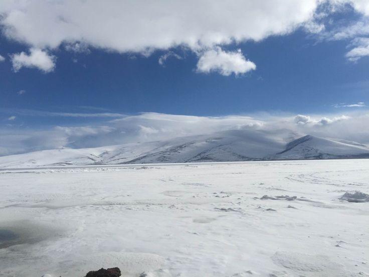 Kış Aylarında Buz Tutan Çıldır Gölü