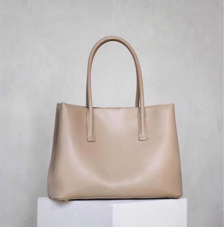 Freja New York In 2020 Vegan Handbags Modern Bag Luxury