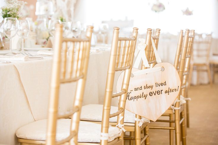Alice in wonderland wedding theme #aliceinwonderland #weddingtheme #weddingdetails #georgeionita