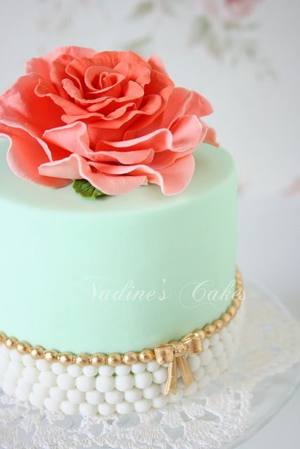 Vintage Romance by Nadine's Cakes & My little white home, via Flickr