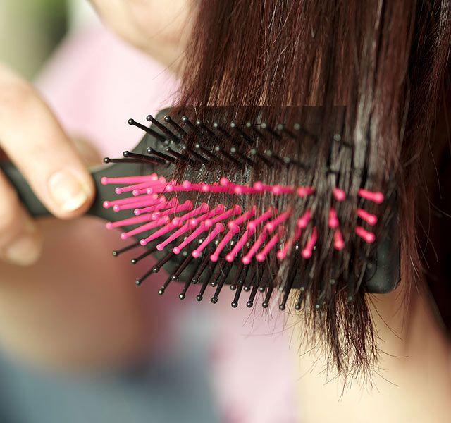 Ez az egyszerű főzet megállítja a hajhullást, és őrült módra nőni fog tőle a hajad - Szépségápolás - Stílus - www.kiskegyed.hu