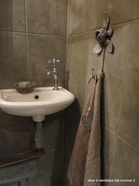 Meer dan 1000 idee n over landelijke stijl badkamers op pinterest cottage stijl badkamers - Kleur wc ...