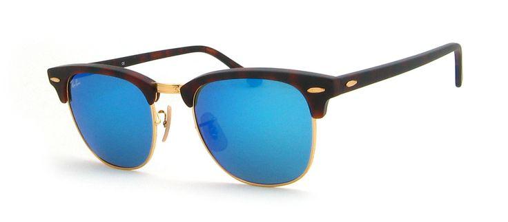 ↵ Sonneschutz: 100% UV Schutz / C-3 Glas: braun, blau verspiegelt, Mineralglas G15 inkl. original Ray-Ban Etui Ray-Ban Sonnenbrillen bei Hit-Optik.de Sonnenbrillen von Ray-Ban sind die meist verkauftesten Sonnenbrillen überhaupt. In den Verkaufscharts sind immer die Aviator und Wayfarer ganz oben anzutreffen. Denn Ray-Ban besticht durch sein zeitloses Design, bereits seit über 80 Jahren. Neben der Wayfarer, Aviator und NEW Wayfarer bietet Ray-Ban aber auch zahlreiche andere Sonnebrillen wie…