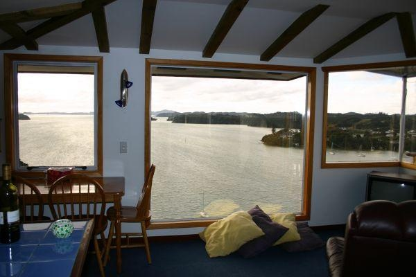 Bay of Islands Holiday Villa Rental - 6 Bedroom, 7.0 Bath, Sleeps 12