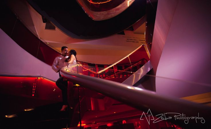 Zeiba Photography – Destination Weddings in the Yucatan Peninsula. Creative couple session at a movie theater