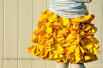 Bustle Skirt free tutorial....cute, cute, cute skirt that I will definitely make :): Ruffles Skirts, Little Girls, Skirts Tutorials, My Girls, Yellow Skirts, Girls Skirts, Bustle Skirts, Simple Simon, Cute Skirts