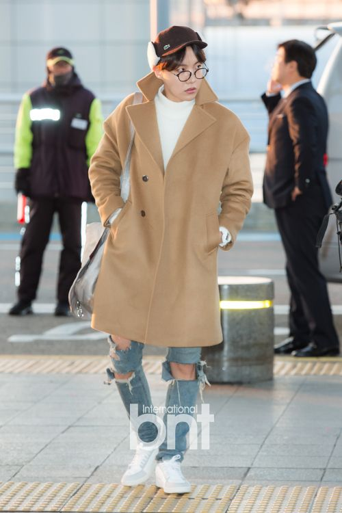 [Picture/Media] BTS at Incheon Airport Go To Taiwan [160109]   btsdiary