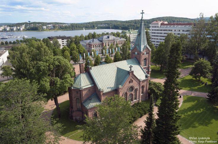 Jyväskylä city church and Church Park. ©Visit Jyväskylä Photo: Keijo Penttinen.