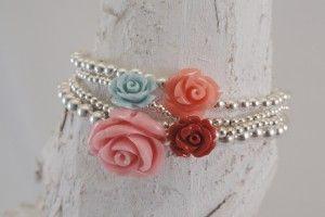 Zilveren armbanden (2, 3 & 4mm) met roze, zalm, blauw & warm rood koraal roosje - StudioBoe