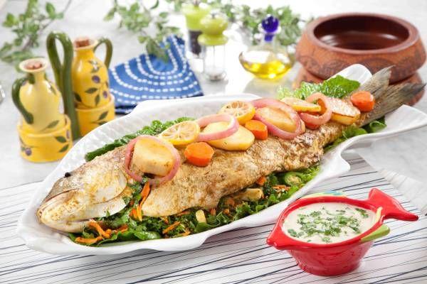 سمكة محشية Middle Eastern Dishes Recipes Fried Chicken Recipes