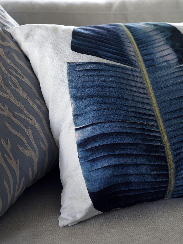 Karin Meyn | Pillow leaf