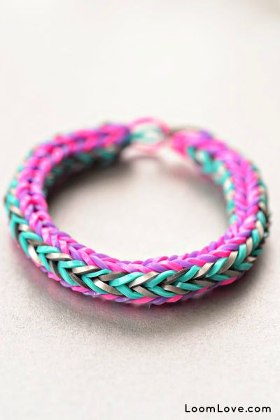 How to Make a Double Cross Rainbow Loom Bracelet! Aw my kiddies make these for me all the time I have all different kinds and literally a hundred of these!