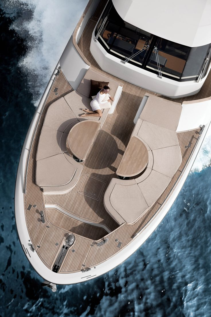 #MCY76 is a #yacht with a #unique personality thanks to its development of #classic elements and the way it shuns ostentation to deliver #impressive functionality on board. #MonteCarloYachts #MonteCarloYachts76 #Yachts #luxuryyacht #lifestyle #innovation #SimpsonMarine