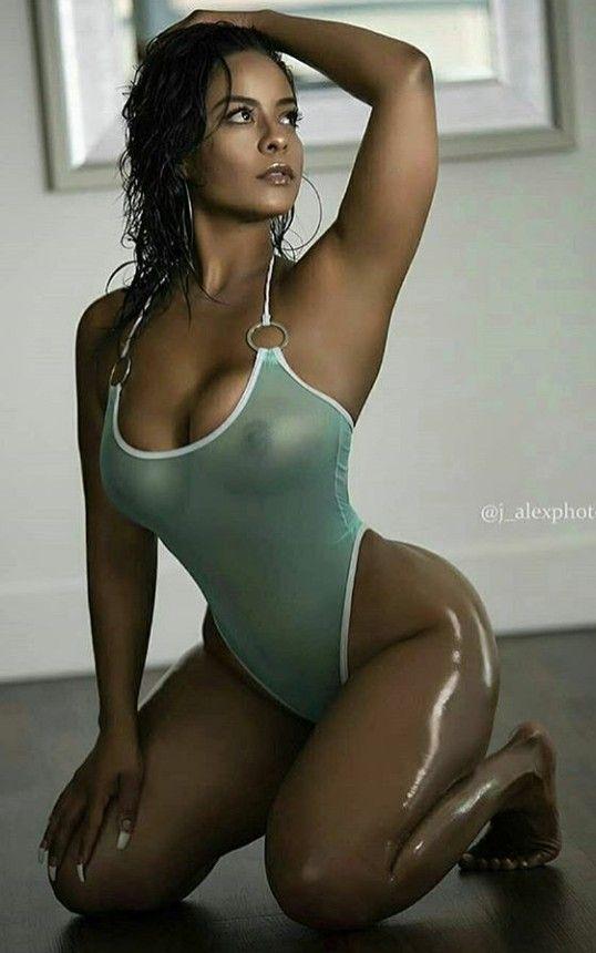 hot naked girls fight photos