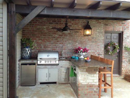 Outdoor Küche mit Grill beleuchtung ziegel wand                                                                                                                                                      Mehr
