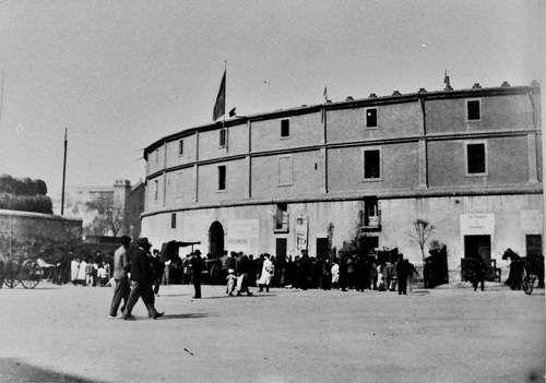 El Torín fue la primera plaza de toros construida en Barcelona, España. Fue inaugurada en julio de 1834 en el barrio de la Barceloneta. Su ubicación estaba donde actualmente Gas Natural tiene su sede central, un edificio de Enric Miralles y Benedetta Tagliabue.  La plaza de toros el Torín fue cerrada en el año 1923 y derribada en 1944.